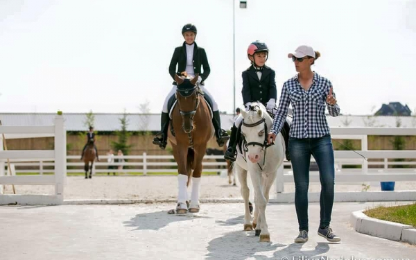 Equestrian family-type club «Equides Club»